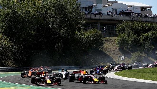 Red Bull se autoexpulsa de la lucha con la cabeza