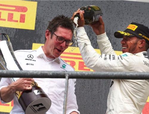 Hamilton se concentra y Bottas se despista