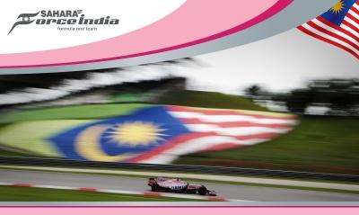 Force India y sus Panteras Rosas en el Top Ten de salida en GP de Malasia. @omarketingf1