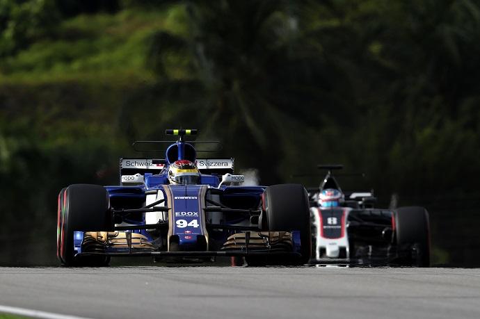 Sauber no ocupa el farolillo rojo gracias a Ferrari