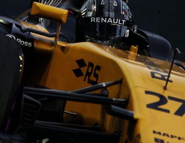 Renault se la juega en Yas Marina