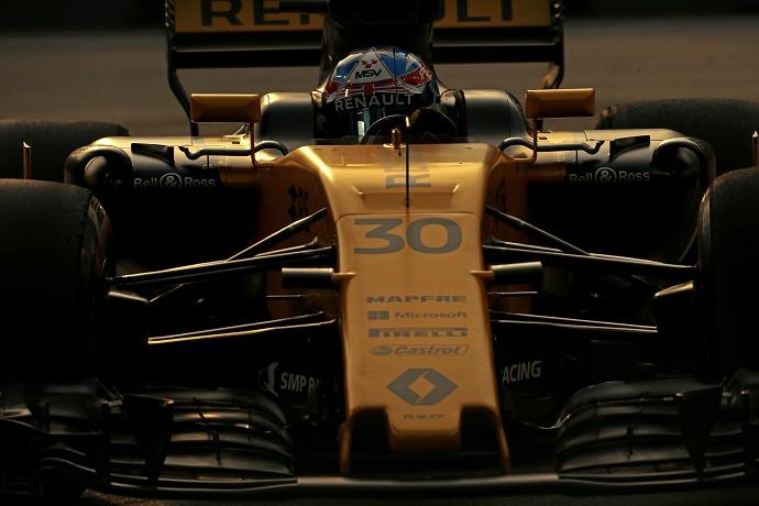 Renault hace un buen trabajo el día que hacen oficial el fichaje de Sainz