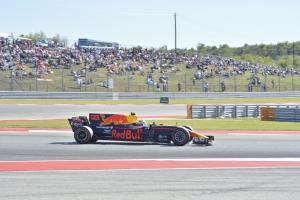 Verstappen hace el show