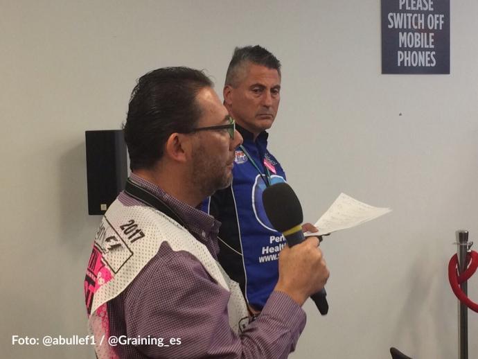 Omar Alvarez @omarketingf1 preguntando a Lewis Hamilton en el GP de EEUU 2017