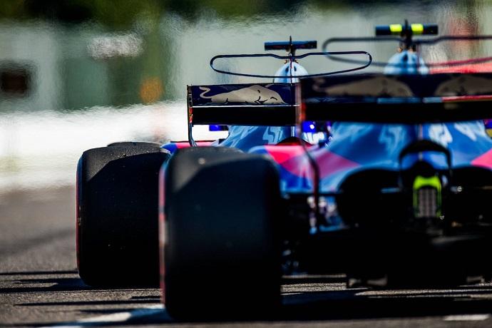 Toro Rosso con tres pilotos jóvenes intentan luchar la zona media en México