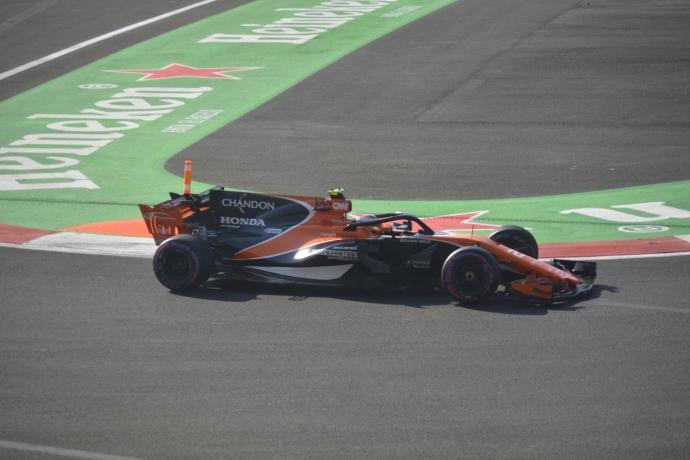 Stoffel Vandoorne McLaren-Honda 2017. Mexico GP. Foto: @omarketingf1
