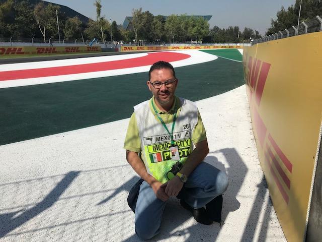 Omar Alvarez @omarketingf1 en el trazado del GP de Mexico. Foto: @abullef1