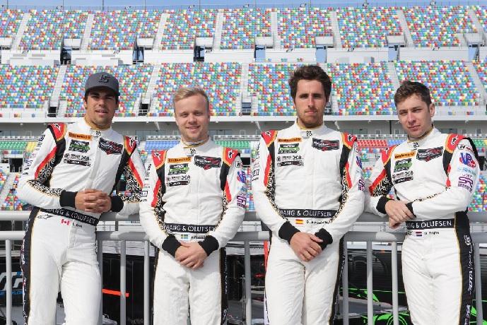 Juncadella con el equipo de Daytona