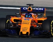 Alonso da sus primeras impresiones sobre el MCL33 tras rodar en el Circuito de Navarra