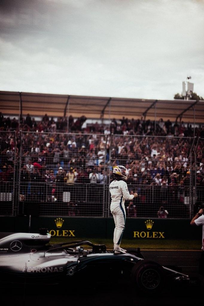 Hamilton logra una pole demoledora