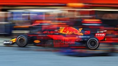 Red Bull cierra los test con el programa completo
