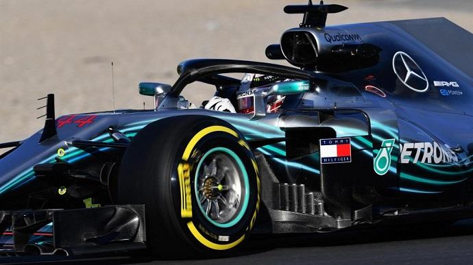 Mercedes empieza nueva temporada como terminó la pasada
