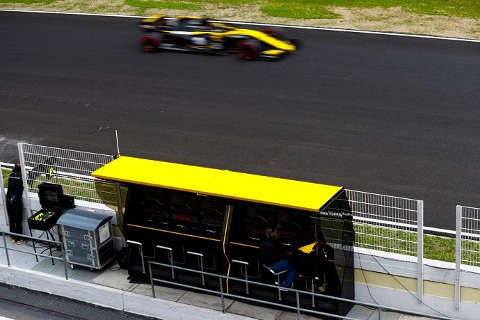 Séptimo día: Renault fiable y rápida una vez más