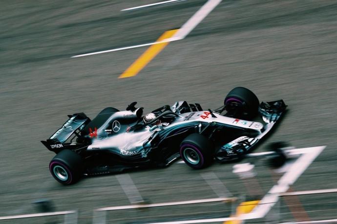 Bottas acarició la victoria en China hasta que apareció Ricciardo