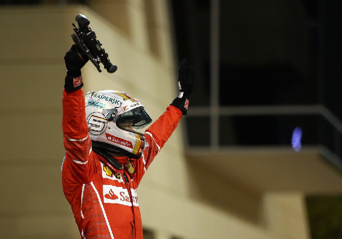 Vettel celebrando la victoria