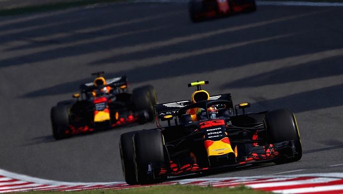 Red Bull mete presión a Renault con su propulsor
