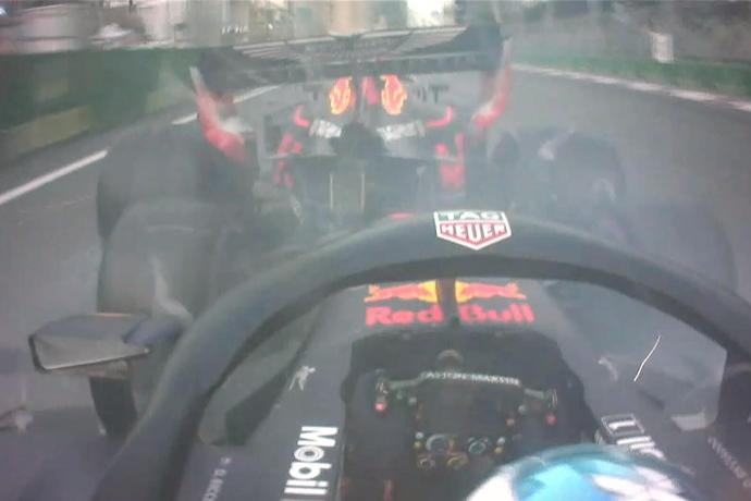 CRÓNICA GP Azerbaiyán 2018: Red Bull regala la carrera a Hamilton, con Sainz 5º y Alonso 7º