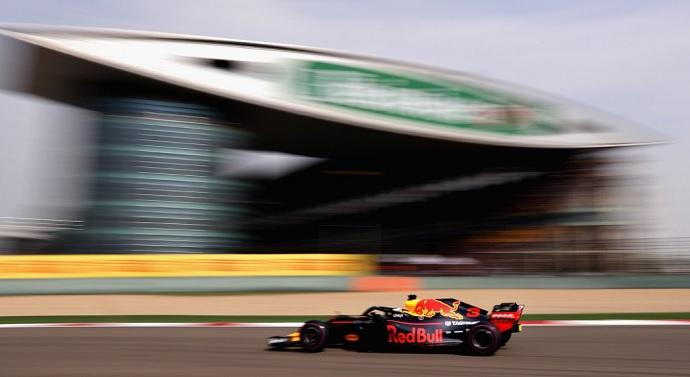 La Columna del Becario: Que alguien renueve a Ricciardo, por favor.