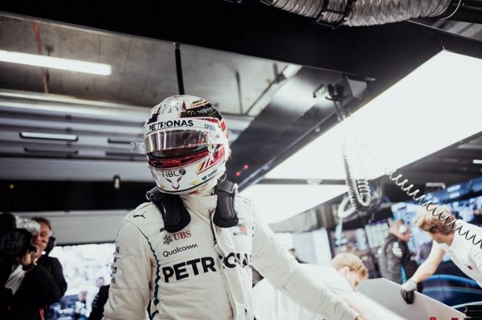 Hamilton continuará en Mercedes, según Niki Lauda