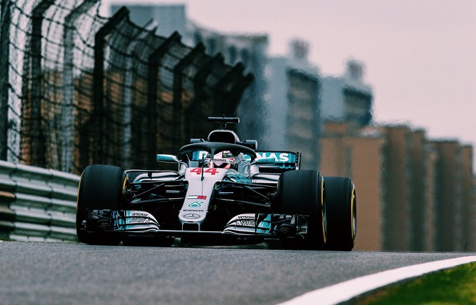 Hamilton marca el ritmo en China