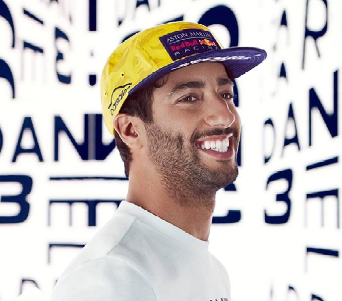 """Ricciardo: """"Tener coches tan anchos no facilita los adelantamientos"""