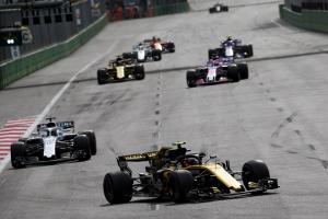 Sainz roza el podio y Hülkenberg acaba en desastre en Bakú