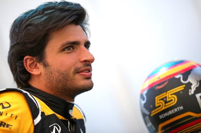 Renault llega a BArcelona con novedades e ilusión (Sainz)