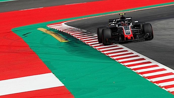 Solida actuación de los Haas en el arranque del GP de España