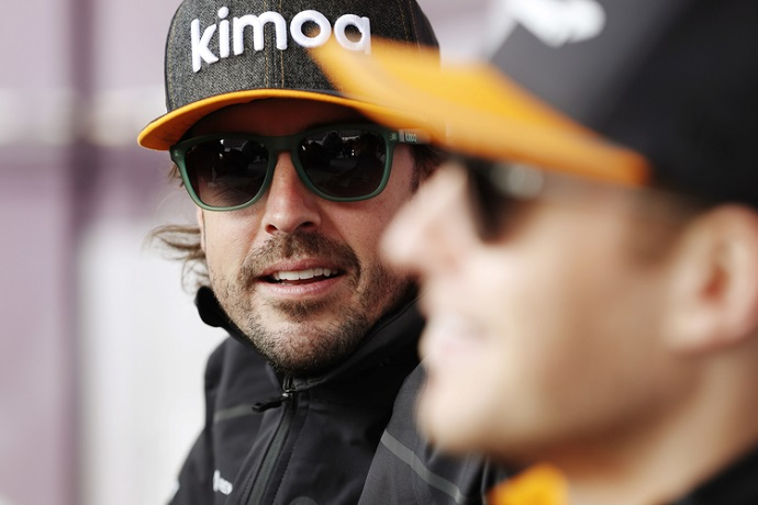 """Alonso sobre el MCL33-B: """"Es un coche más rápido"""""""