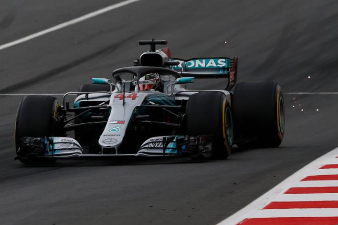 CRÓNICA QUALY: Récord estratosférico de Hamilton en el Circuit con Alonso 8º y Sainz 9º