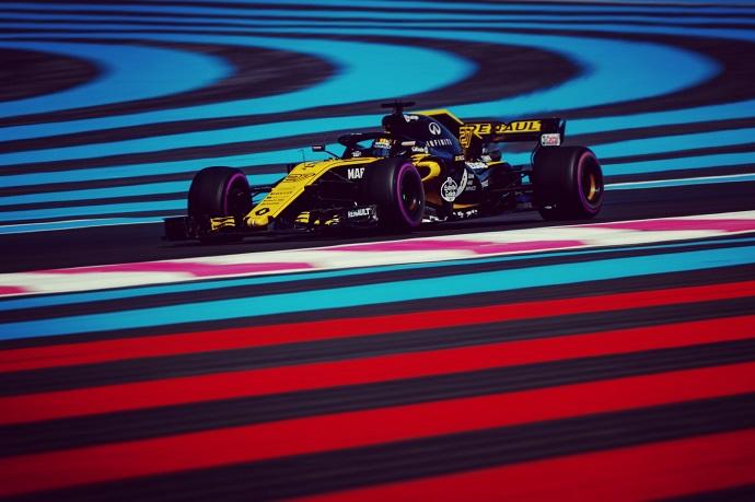 Domingo en Francia - Renault: sentimientos contrarios