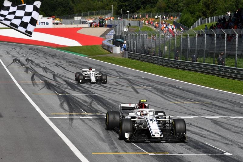 Domingo en Austria-Sauber: Doblete de los de Hinwil en los puntos