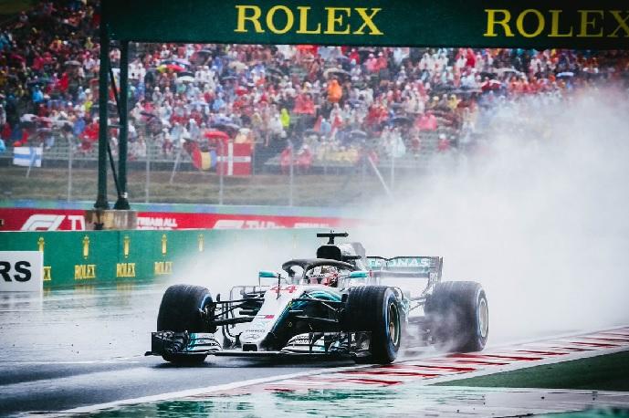 Hamilton el más rápido bajo la tormenta del Hungaroring