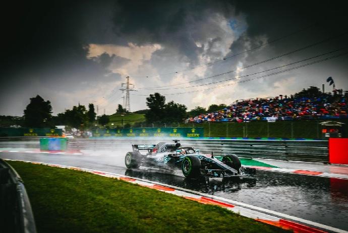 Sábado en Hungría-Mercedes: Hamilton más lluvia es igual a pole