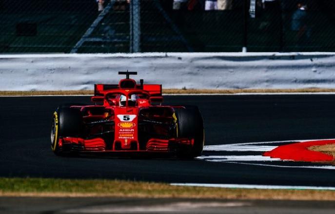 Viernes en Gran Bretaña-Ferrari: Vettel pasa a los Mercedes