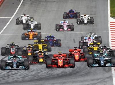 Domingo en Austria-Mercedes: Carrera para el olvido