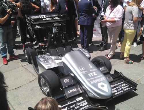 GALERÍA – Presentación de los ARUS ART18 gasolina y eléctrico