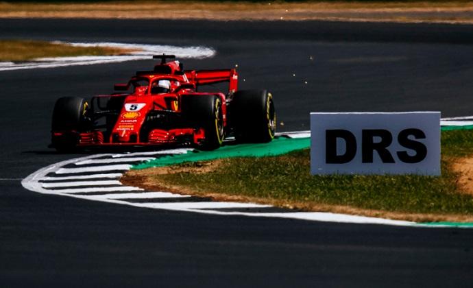 GP G.Bretaña 2018-FP2: Vettel golpea a Mercedes, Alonso lidera el resto y Sainz roza el 'Top 10'