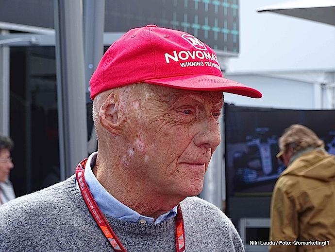 Niki Lauda - se somete a un trasplante de pulmón en Viena, Austria