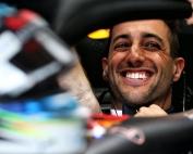Ricciardo firma por dos temporadas con Renault