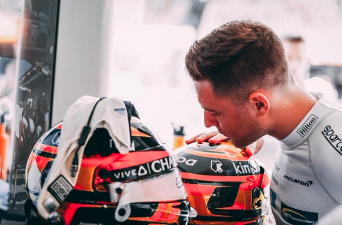 Mclaren insta a Vandoorne a vencer con más frecuencia a Fernando Alonso