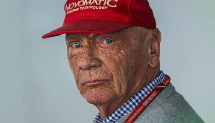 Niki Lauda mejora: Puede hablar y ya entrena su respiración