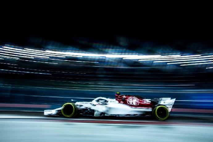 Sábado en Singapur-Sauber: Con ambos coches en Q2
