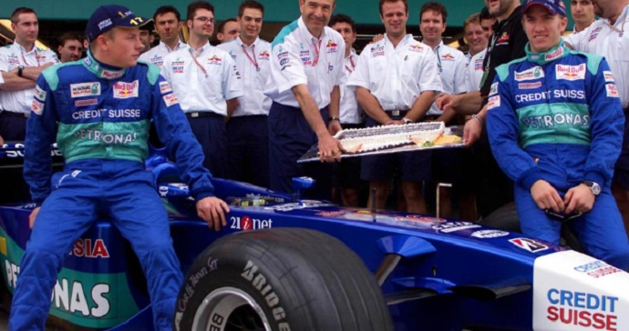 OFICIAL: Kimi Raikkonen vuelve a Sauber hasta 2020