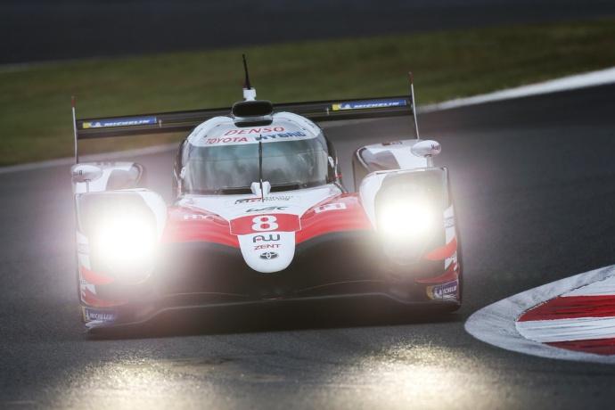 Alonso marca el mejor crono en los libres de Fuji