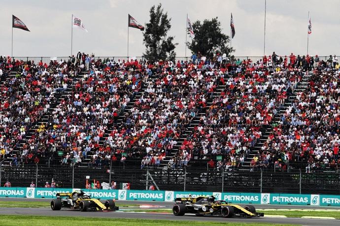 Domingo en México-Renault: Sainz sufre la fiabilidad del coche galo