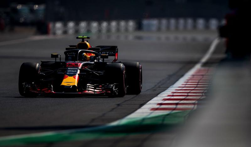 Viernes en México - Red Bull sobrevuela el Hermanos Rodriguez