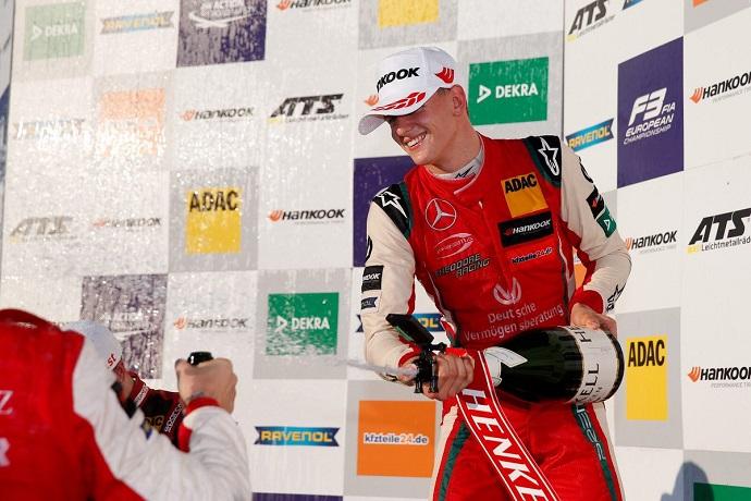 Mick Schumacher sopesa sus opciones para 2019