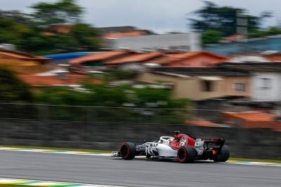 Sábado en Brasil-Sauber: Leclerc obró la magia, los de Hinwil en el top 10