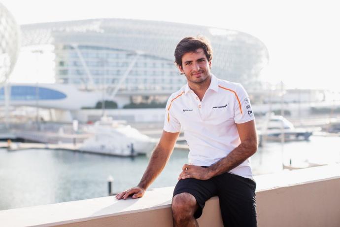 Liderar la zona media debe ser el objetivo de McLaren según Sainz